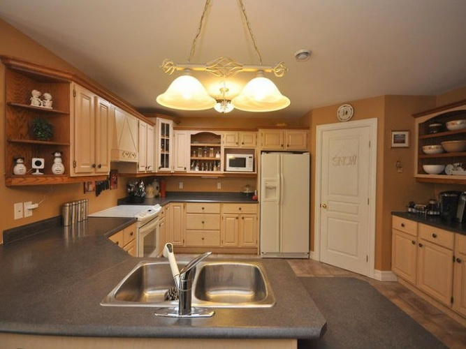 6177 Highway 2 Oakfield B2T 1E3 : 30-Waverley, Fall River, 7 Bedrooms Bedrooms, ,7 BathroomsBathrooms,Residential,For Sale,1003
